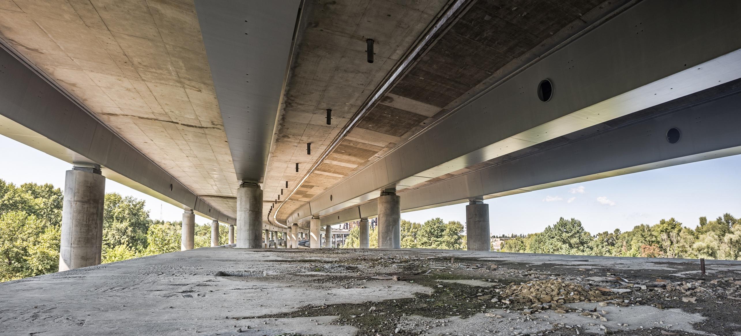 Bridge Rehabilitation Completed with UHPC Concrete
